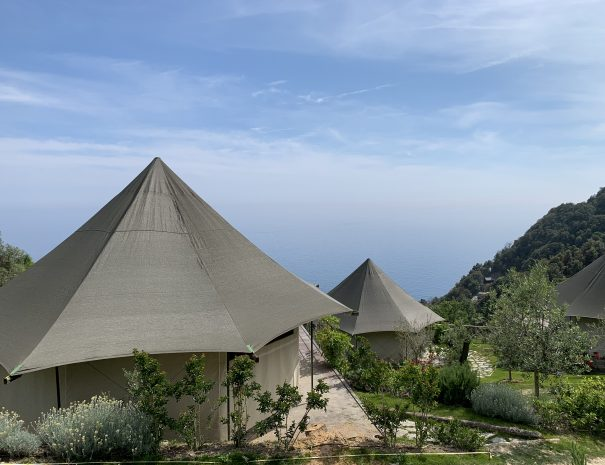 Canvas Lodge con vista mare